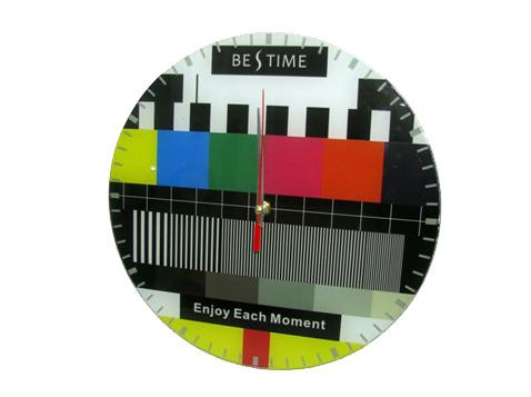 שעון קיר TV בינוני