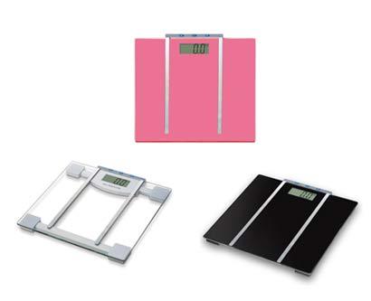 משקל אדם עם מד שומן