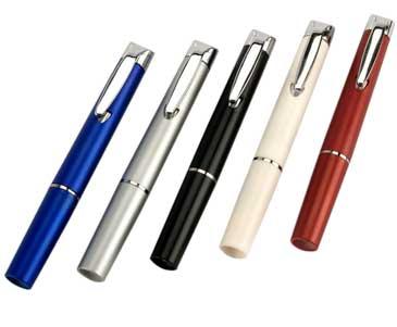 פנס בצורת עט