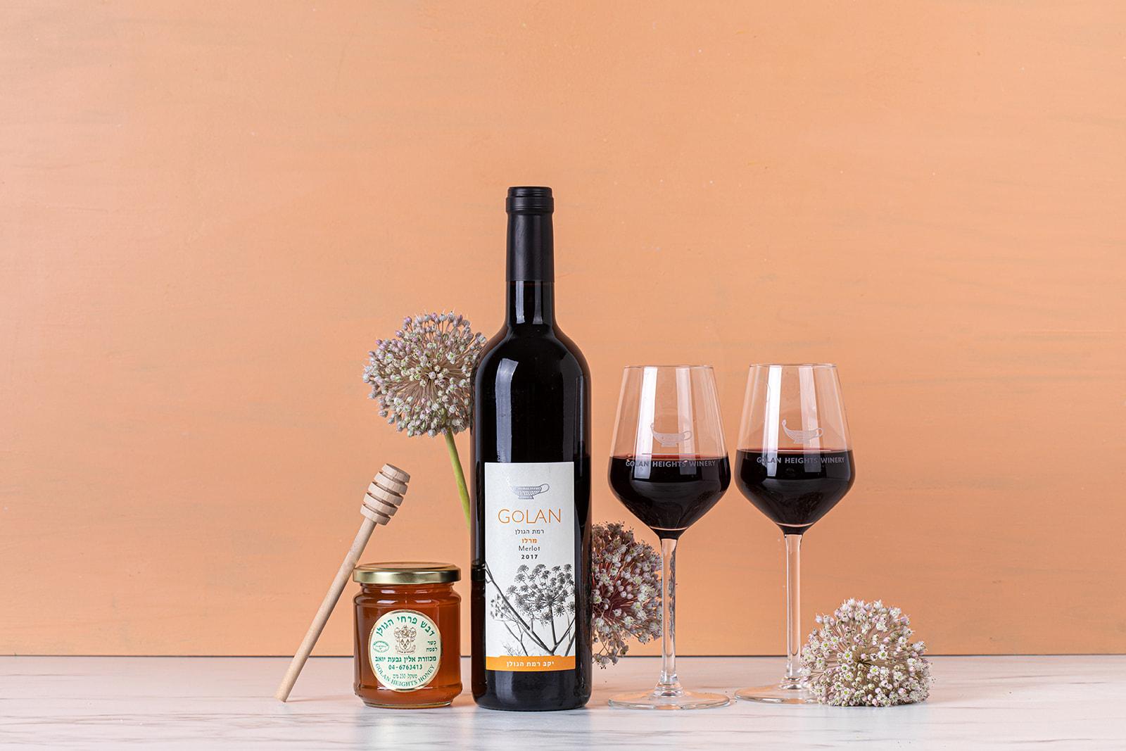 מארז יין עם דבש וכוסות יין