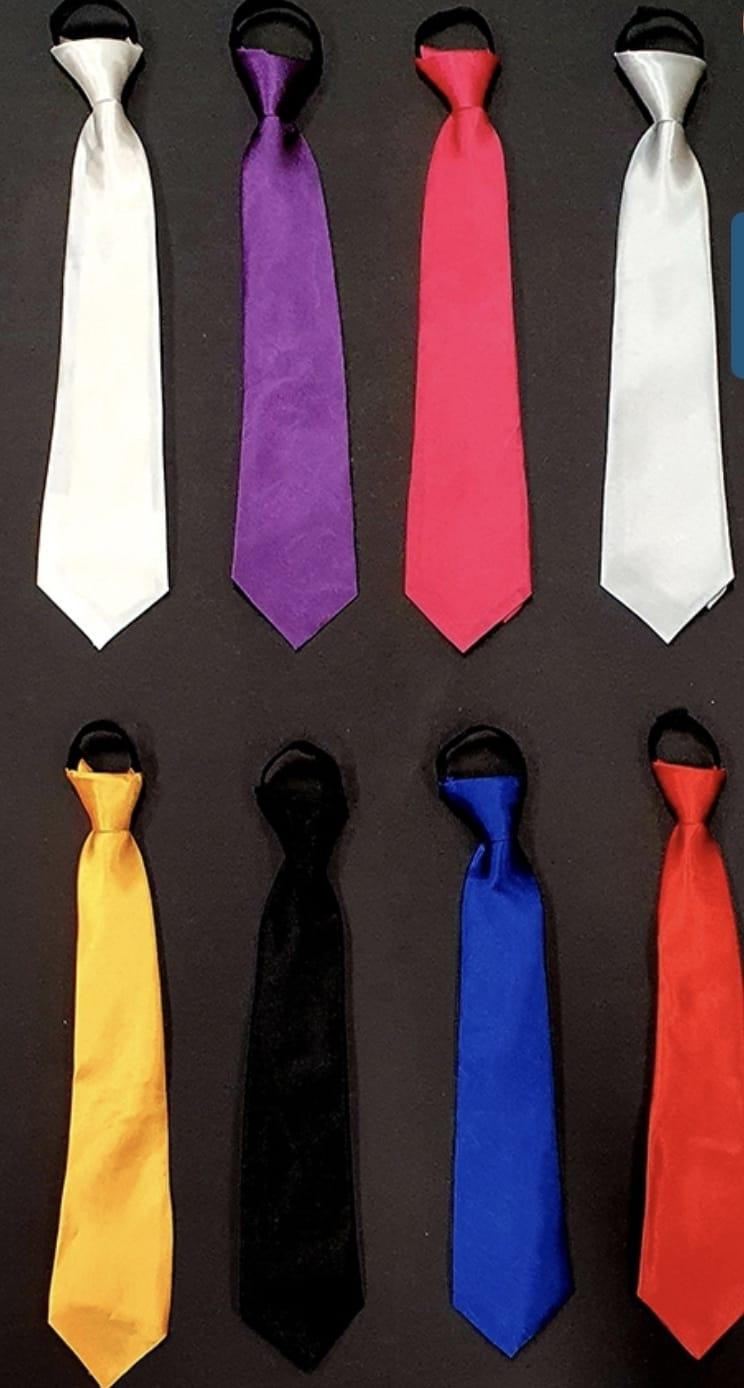 עניבה רוכסן