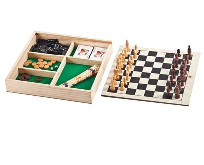 7 משחקים בקופסת עץ