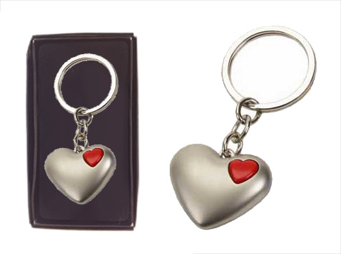 מחזיק מפתחות בצורת לב