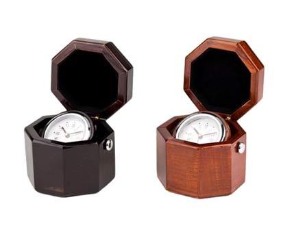 שעון עץ שולחני